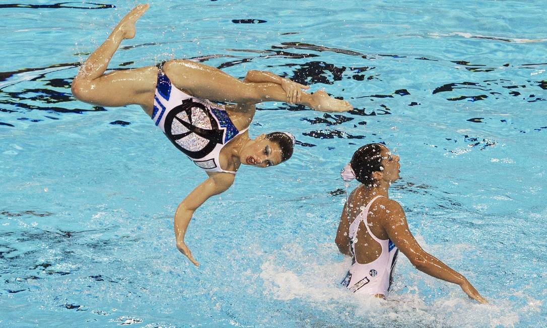 Elasticidade é que não falta na atleta argentina JIM WATSON / AFP