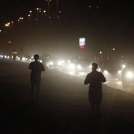 Eficiência. Correr sob as baixas temperaturas do inverno pode aumentar o gasto calórico em até 30% Foto: Pedro Teixeira