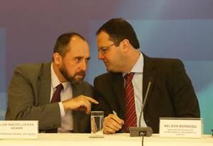 O ministro Luiz Inacio Adams (AGU) e ministro do Planejamento Nelson Barbosa Foto: Ailton de Freitas / Agência O Globo