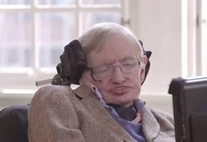 Cosmólogo britânico Stephen Hawking elogia missão da Nasa para explorar Plutão: 'Exploramos porque somos humanos' Foto: Reprodução