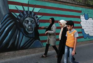 Mural no Irã coloca a Estátua da Liberdade como símbolo da morte Foto: ATTA KENARE / AFP