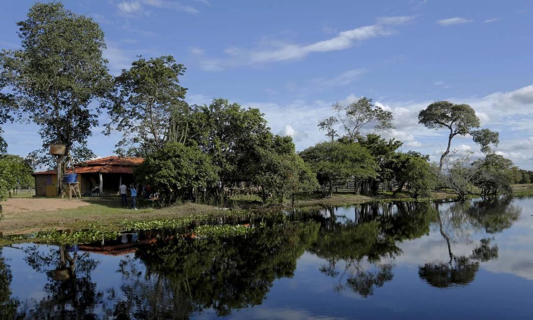 O reflexo nas águas do Pantanal Foto: Marcelo Piu / Agência O Globo