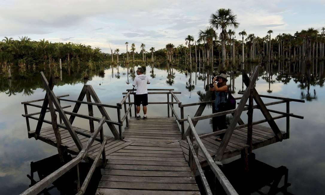 Lagoa das Araras: ideal é ir no fim de tarde Foto: Marcelo Piu / Agência O Globo