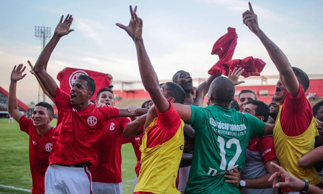 América vence o Americano por 2 a 0 e sobe para a primeira divisão do Campeonato Carioca Pedro Kirilos / Agência O Globo