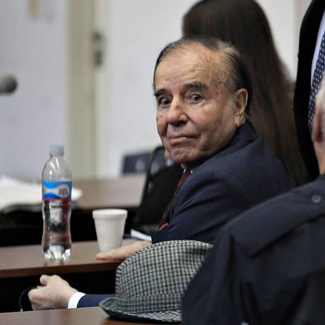 Carlos Menem, em 2013: ex-presidente argentino é acusado de encobrir acusados no caso Amia Foto: La Nación/GDA