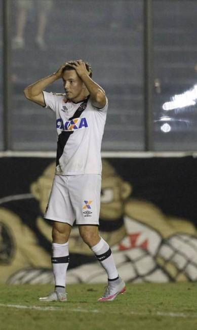 Dagoberto lamenta chance perdida Marcelo Carnaval / Agência O Globo