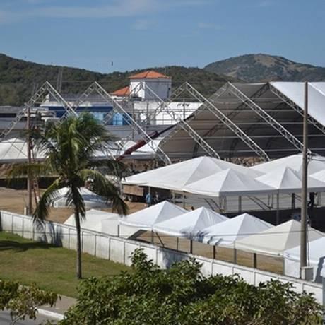 Estrutura montada na Praia do Forte para receber o BikerFest 2015 Foto: Divulgação