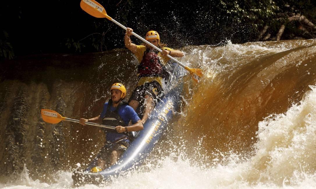 O rafting é uma das várias atividades em Jaciara Foto: Marcelo Piu / Agência O Globo