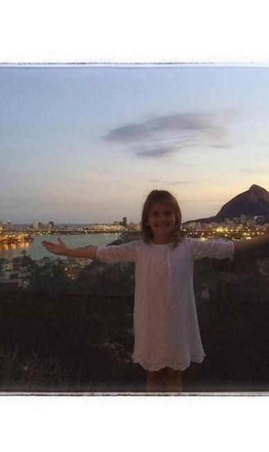 Anja faz pose no Rio de Janeiro Reprodução/ Instagram