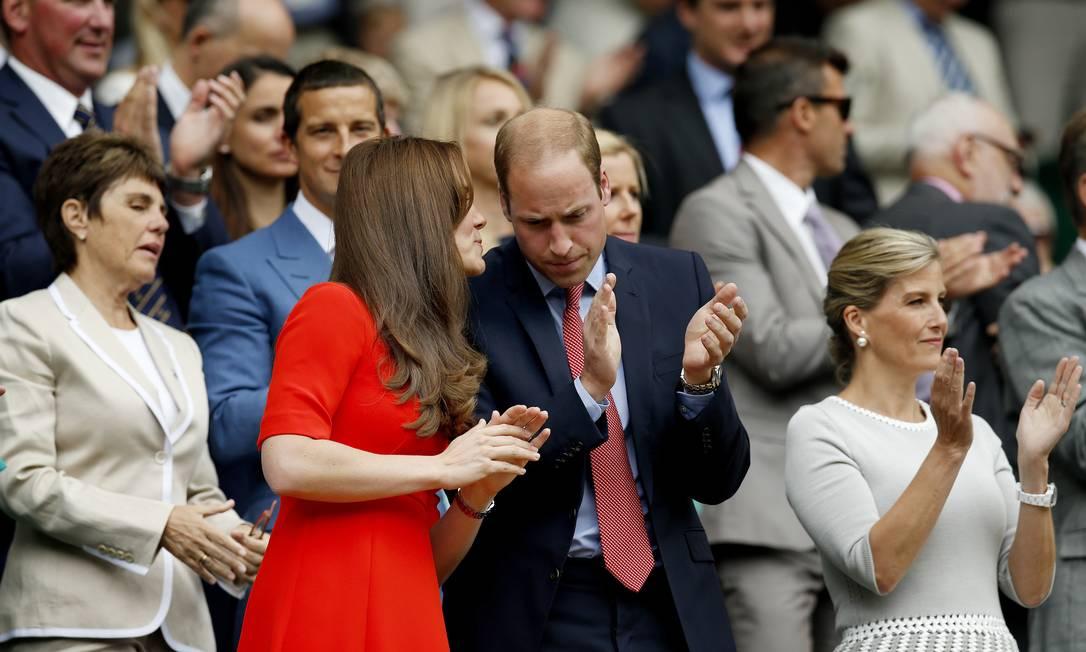 Kate e William: conversa ao pé do ouvido Andrew Couldridge / REUTERS