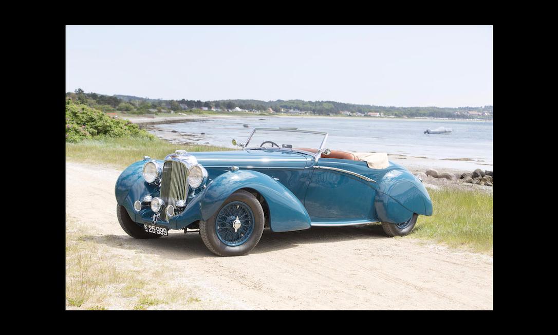 Um dos destaques da coleção, o Lagonda LG6 Rapide Drophead, de 1939 Divulgação/Bonhams