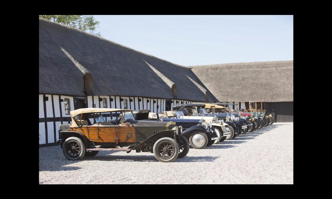 Um dos homens mais ricos da Dinamarca, o milionário Henrik Frederiksen irá leiloar a sua coleção de 50 automóveis raríssimos. O lance inicial? US$ 40 milhões Divulgação/Bonhams