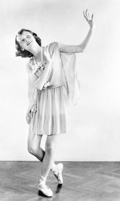 A pequena Audrey, com apenas 13 anos, numa apresentação de dança. Essa é uma das 35 fotos cedidas por Sean Hepburn Ferrer e Luca Dotti, filhos da atriz, para a mostra da National Portrait Gallery, em Londres Divulgação / National Portrait Gallery