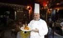 Influências. O chef Bruno Marasco, no Da Carmine: infância entre os produtos da terra e do mar Foto: Eduardo Naddar / Agência O Globo