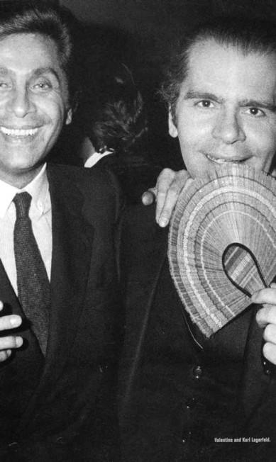 Valentino e Karl Lagerfeld em uma noite no Studio 54 Terceiro / Reprodução do livro 'Studio 54 - The legend'