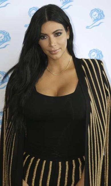 Kim Kardashian em Cannes Lionel Cironneau / AP