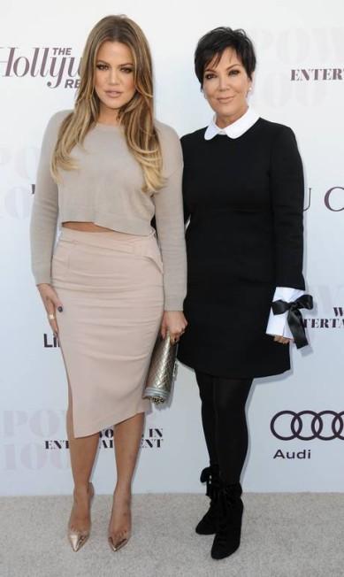 Ao lado da filha Khloé Kardashian, Kris Jenner com look sóbrio no red carpet Richard Shotwell / Richard Shotwell/Invision/AP