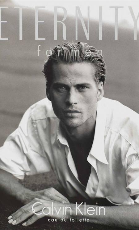 """De acordo com o """"Style.com"""", o modelo Mark Vanderloo foi para a moda o que Brad Pitt Pitt foi para o cinema nos anos 1990. No currículo constam trabalhos para as grifes Chanel, Calvin Klein, Hugo Boss e Calzedonia Foto: Divulgação"""