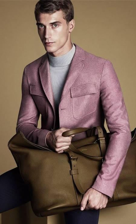 O modelo francês Clément Chabernaud é mais um na lista. No currículo, trabalhos para as marcas Gucci, H&M, Dolce & Gabbana, Fendi, Lacoste e Balmain Foto: Divulgação