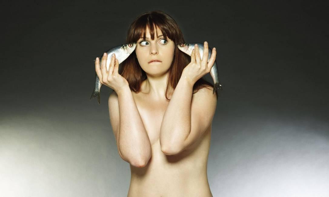 Já a atriz Tamla Kari optou pela companhia dos arenques Fishlove/Divulgação