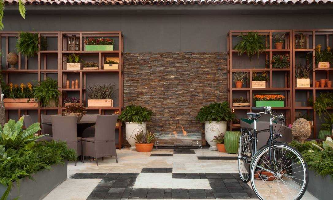 Para o Jardim do Colecionador, Roberto Riscala pensou em comos seria a casa de um estrangeiro que se muda para o Brasil e busca se adaptar ao novo clima Levi Mendes Jr / Divulgação