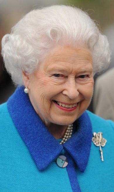 A rainha Elizabeth II esteve no Chelsea Flower Show no último dia 18. O evento vai até o dia 23 de maio Stuart C. Wilson / AFP
