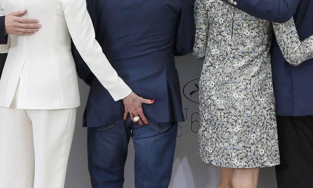 Jane Fonda não poupou o ator Harvey Keitel... Foto: REGIS DUVIGNAU / REUTERS