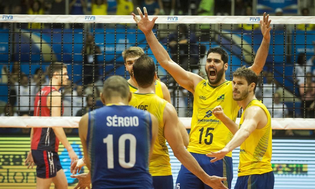 Brasil ganhou quarto set no detalhe no Maracanãzinho Guito Moreto / Agência O Globo