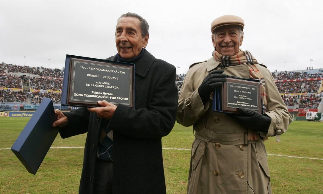 Em 2009, Ghiggia foi homenageado no Estádio Centenario ao lado de Juan Carlos González, à época um dos três remanescentes do time campeão em 1950 Pablo La Rosa / REUTERS