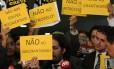 Protesto. Deputados descontentes com a gestão de Cunha fazem manifestação na Câmara