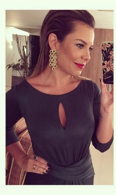 """Zoom na beleza e na joia de Fernanda Souza: """"Porque a Didi merece todas as esmeraldas que a gente puder usar... Kkkkkk tô MUITO ansiosa!"""", escreveu ela Reprodução Instagram"""