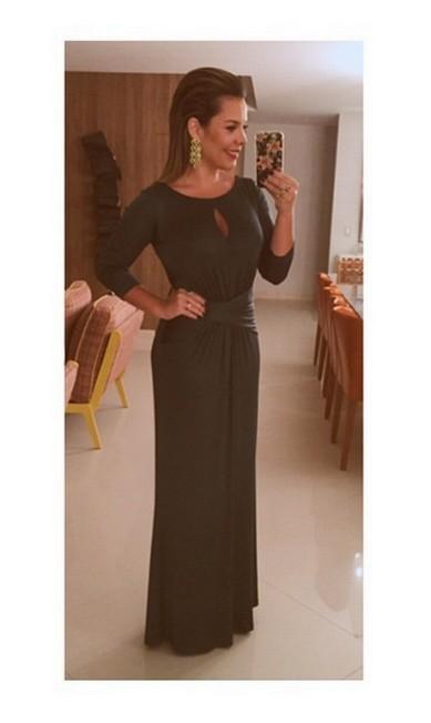 A atriz Fernanda Souza já revelou de onde vem seu vestido verde: da loja online Dress & Go, de aluguel de vestidos de grandes estilistas Reprodução Instagram