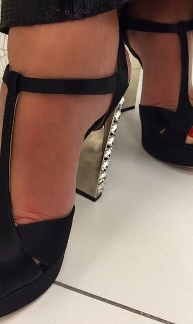 Zoom na sandália de Ana Maria Reprodução Instagram