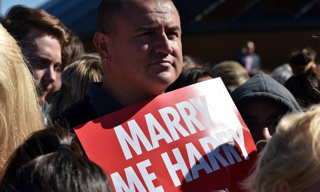"""Harry também recebeu """"proposta"""" de casamento de homens SAEED KHAN / AFP"""