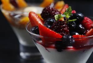 Iogurte: segundo pesquisa, alimento auxiliou na perda de peso durante a meia-idade Foto: Camilla Maia / Agência O Globo