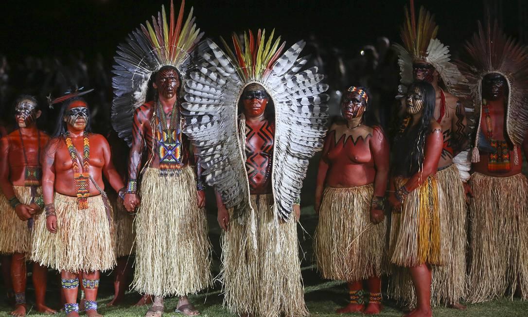 Índios da etnia Yaminawa durante o desfile da Cavalera: chamado de Vekushi, ritual da tribo promove purificação espiritual para dar as boas-vindas aos visitantes e evocar a proteção dos espíritos da floresta Andre Penner / AP