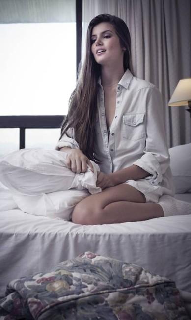 "Camila Queiroz, será a Lolita da próxima novela das 23h, ""Verdades secretas"". A modelo, de 21 anos, será garota de programa e filha de Deborah Secco PauloVainer / PauloVainer / Foto de paulo vainer/ Figurino: Ellen Milet. Consultoria de moda: Dudu Berthollini. Beleza: Marcos Padilha"