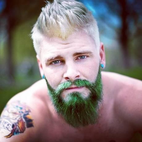 Gringos postam no Instagram fotos com o título 'coloredbeard' Foto: Reprodução / Instagram