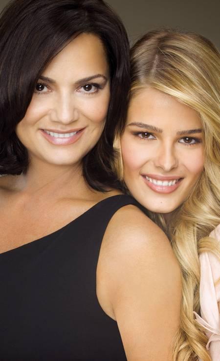 As duas posam juntas para a campanha de Dia das Mães de L'Oréal Paris Foto: Daniel Klajmic / Agência O Globo
