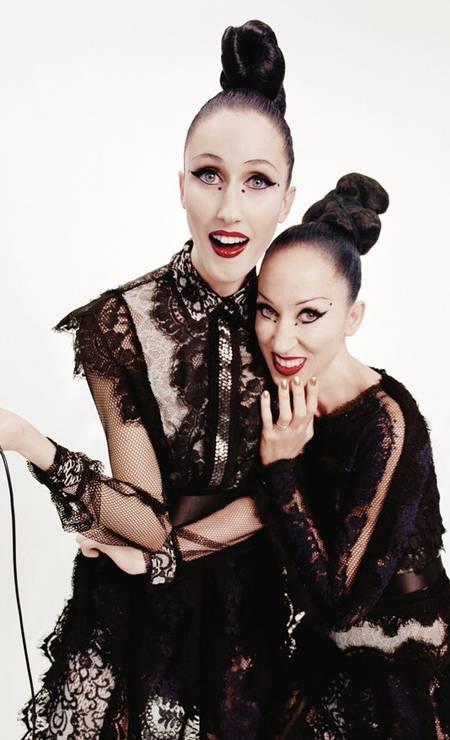 As duas posam em campanha para a Lanvin Foto: Divulgação