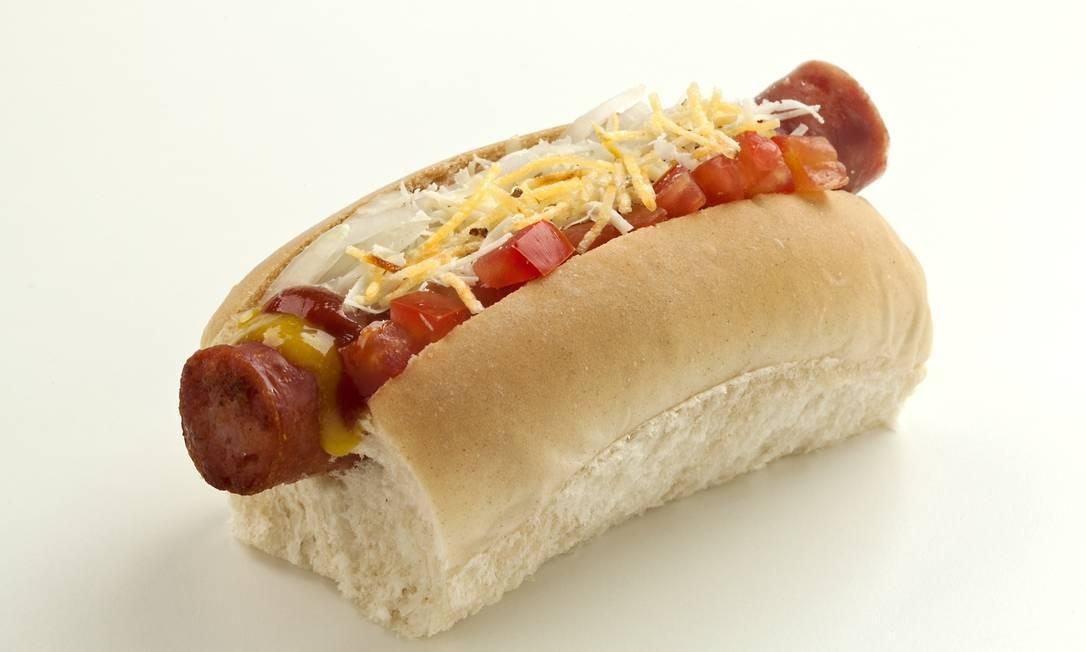 Assim como comidas processadas em geral, o cachorro-quente é um inimigo da libido. Entre um dos efeitos de comida altamente processada, está o congestionamento das artérias vaginais e penianas Foto: Terceiro / Divulgação