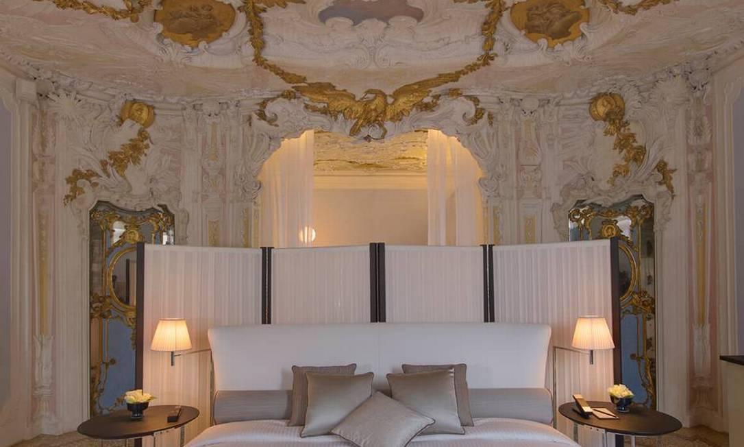 O preço do luxo que Amal e George desfrutaram giram em torno de 4.015 euros por noite, aproximadamente R$ 13.530 Divulgação