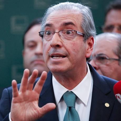 Eduardo Cunha fala à imprensa em entrevista coletiva Foto: ANDRE COELHO / Agência O Globo