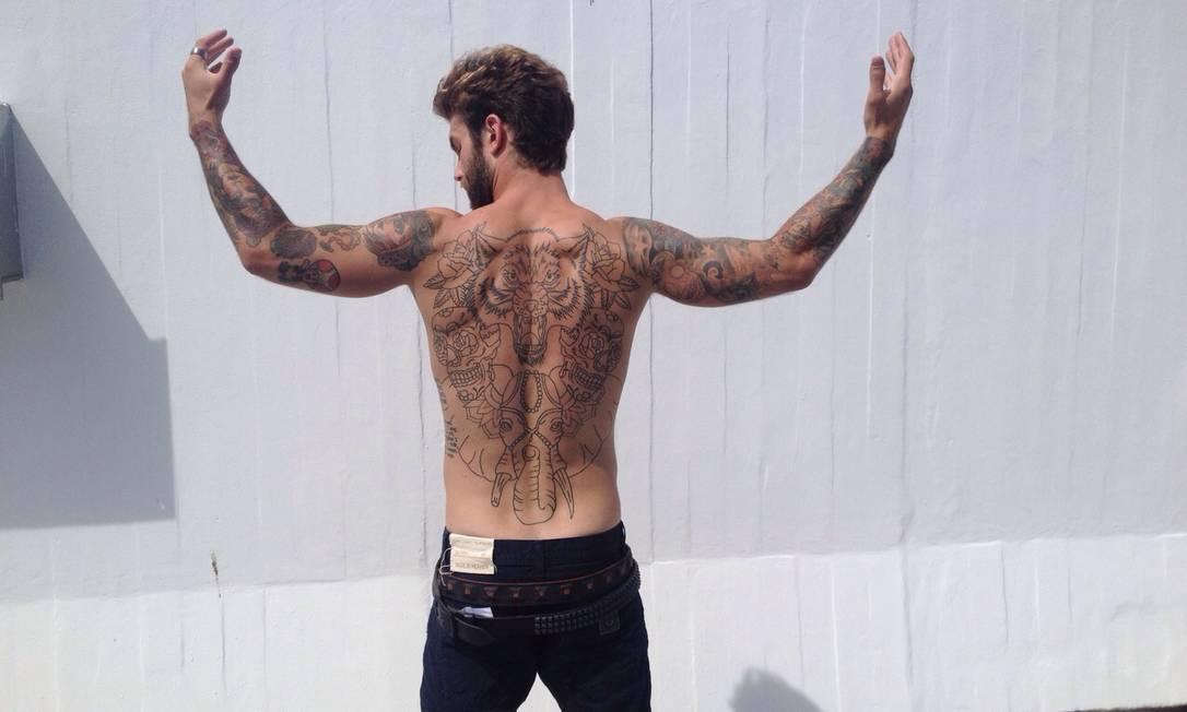 """André entregou que fez sua primeira tatuagem aos 16 anos. """"Quero fazer outras. Mas não no meu rosto, como o modelo Rick Genest (mais conhecido como Zombie Boy)"""" Gilberto Júnior/ O Globo"""