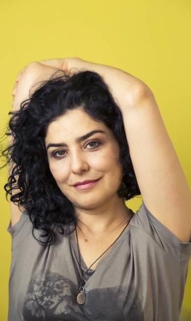 """Leticia Sabatella: """"Desde criança, me surpreendo com discriminações e restrições de gênero. Experimentei isso quando produzi e dirigi o documentário 'Hotxuá' e outras inúmeras vezes quando percebia que a fôrma para me encaixar já estava pré-determinada. Às mulheres sempre coube um espaço mais restrito de atuação."""" Leo Martins / Agência O Globo"""