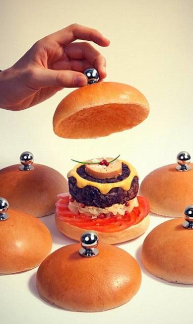 Que tal esta versão gourmet? Reprodução Fat & Furious Burger