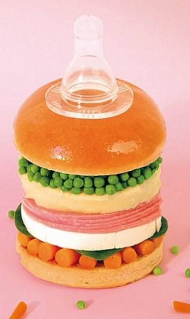 A versão para bebês leva presunto, cenoura, ervilhas e legumes amassados Reprodução Fat & Furious Burger