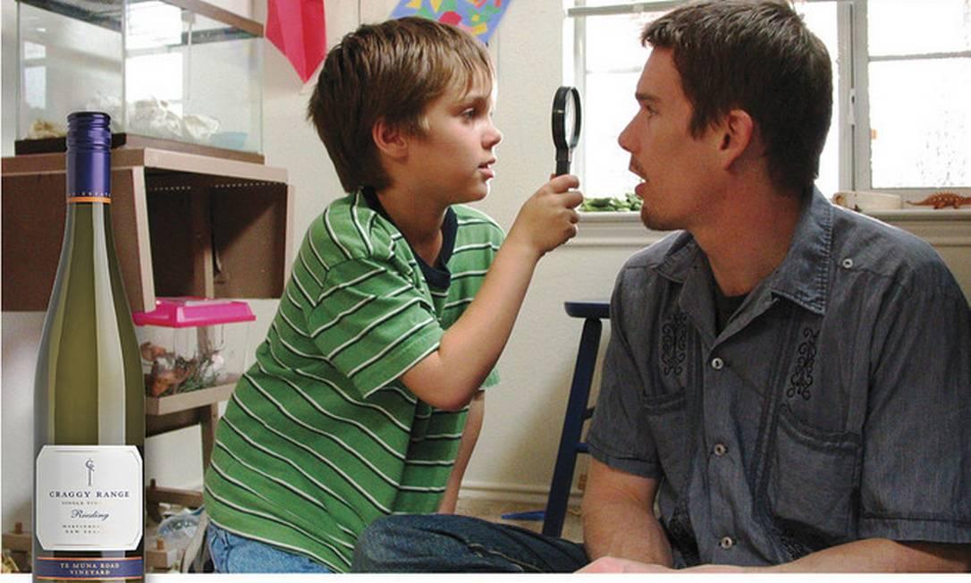 """""""Boyhood"""", o drama de Richard Linklater sobre o crescimento de um menino dos 6 aos 18 anos, pede um vinho com um charme infantil, mas com dores de crescimento suficientes para evocar a empatia com o personagem principal. Qual? 2013 Craggy Range Te Muna Road Riesling Reprodução"""