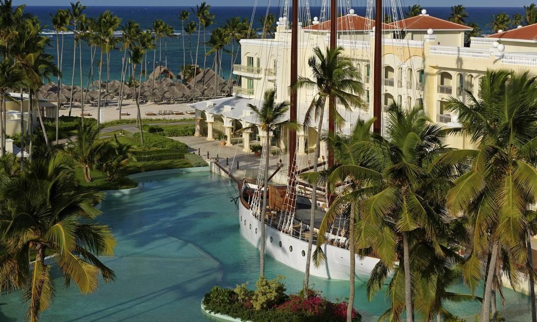 """Instalações do resort inclui """"barco"""" que funciona como bar Richard Kohler / Divulgação"""