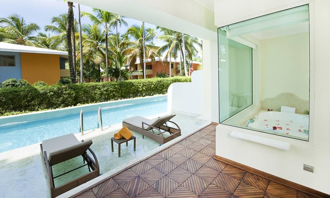 Alguns dos quartos contam com piscina semiprivativa Divulgação